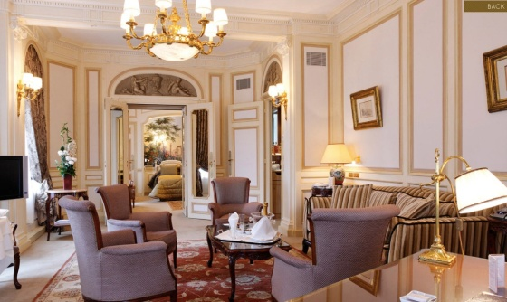 LGTNetwork welcomes Hotel Raphael as a Hotel Member
